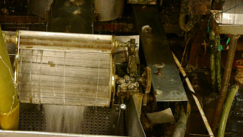 Reeling machine and Textile machine in operation Live Action