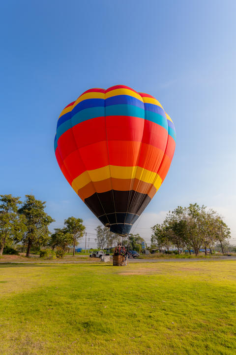 You can fly away in the sky with hot air balloon Foto