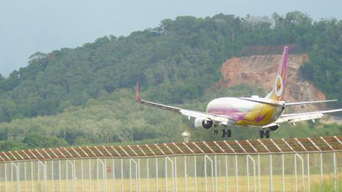 Boeing 737 landing Footage
