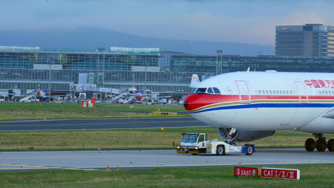 Towing China Eastern Airbus Footage