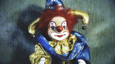 4 K Scary Clown Doll 32 stylized Live Action