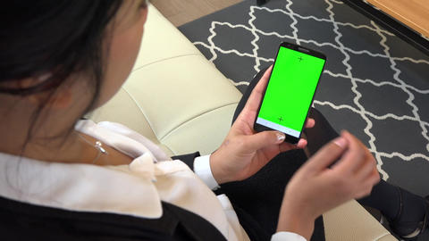 Green Screen Monitor On Mobile Phone Telephone Smarphone Businesswoman Woman Live Action