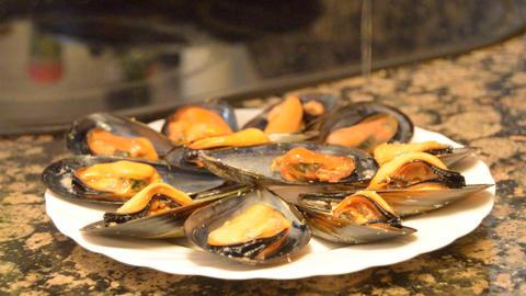 Lemon Over Mussels Live Action