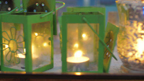 Street lanterns with burning candles Filmmaterial