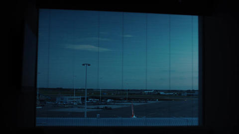 Timelapse view of airport runway from night to day time in Amsterdam Airport Sch Archivo