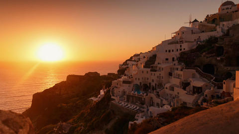Timelapse Sunset in the Mediterranean - Traditional Cycladic Houses and Windmill 画像