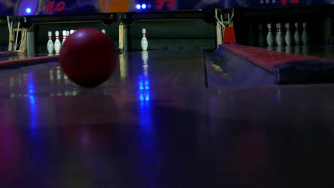Bowling leaving a pin Footage