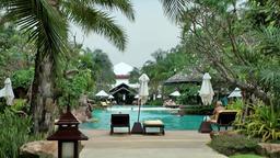Thailand Pattaya 007 ravindra beach resort, the pool landscape Footage