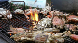 Thailand Pattaya 032 ravindra beach resort, closeup crayfish on grill ビデオ