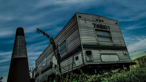 Trailer Motorhome and Sky Clouds Filmmaterial