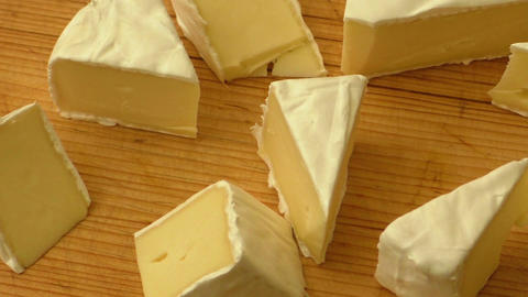 Camembert cheese tasting sliced ライブ動画