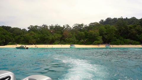 Speedboat departure from Similan Islands Live Action