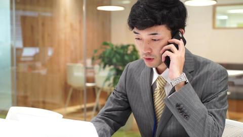 Business image (men · office · telephone) pan ビデオ