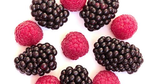 Rotating Raspberries And Blackberries 1 Filmmaterial