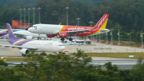 Airbus A320-214 WL HS-VKC approaching at Phuket International Airport Footage