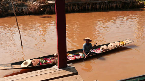 Seller from floating market in Myanmar at Inle lake Footage