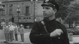 USA 1950s: Street Cop Directs Traffic Filmmaterial