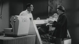 4K USA 1950s: Small Town Butcher Helps Customers ビデオ