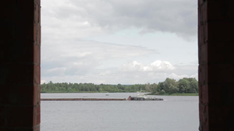 Barge Floats on the River Filmmaterial
