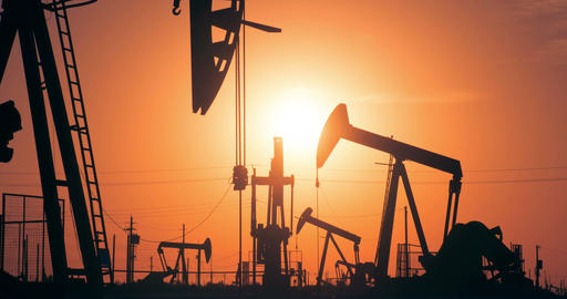 Oil Wells At Sunrise Filmmaterial
