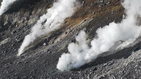 steam escaping from the volcanic vents in Mount Asahidake. ( Hokkaido, Japan) ビデオ
