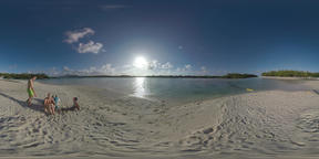 360 VR Family spending summer vacation on tropical resort, Mauritius Archivo