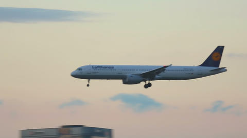 Airbus 321 approaching and landing Footage