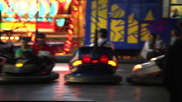 Bumping cars at amusement park Filmmaterial