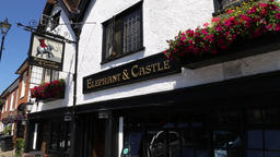 Elephant and Castle Inn Amersham Buckinghamshire UK ビデオ