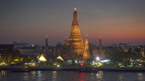 Wat Arun at twilight time in Bangkok, Thailand Footage