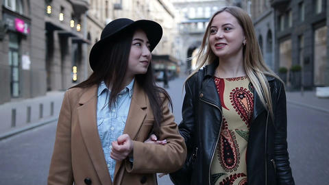 Shopaholic Teenage Girls 2