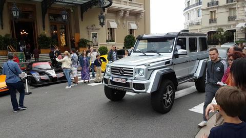 Mercedes G 500 4X4 2 Footage