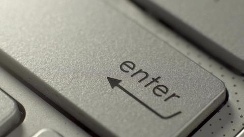Computer Keyboard Pushing Enter Key Macro Filmmaterial