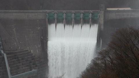 湯田ダム 放水 Spray in a dam(Japan) GIF