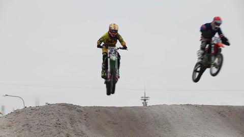 motocross jumps on motorcycle Filmmaterial