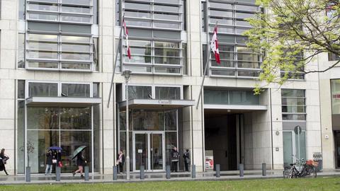 Canadian Embassy in Berlin Germany Straight On ビデオ
