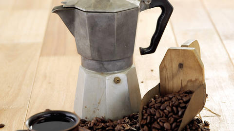 Coffee with coffeemaker and scoop Live Action