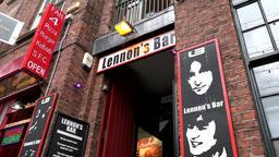 Great Britain England Liverpool 043 The Beatles Mathew Street Lennon's Bar ビデオ