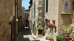Spain Mallorca Island various 019 idyllic alley in village Estellencs Footage