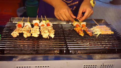 Chef grilling BBQ Filmmaterial