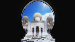 Sheikh Zayed Grand Mosque - Door perspective - Timelapse 4K CG動画素材