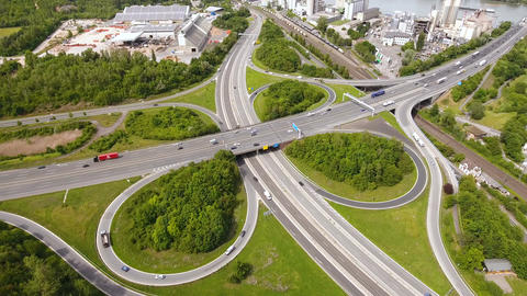 Aerial view of large highway interchange Live影片