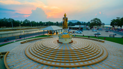 temple around Mae Klong dam フォト