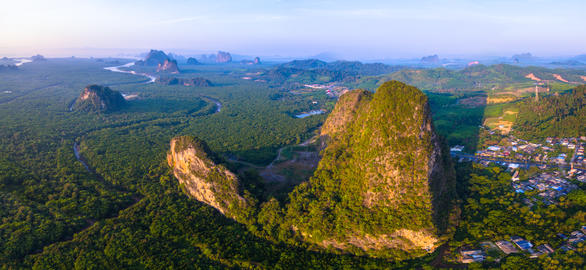 aerial photography Phang Nga city in the morning Foto