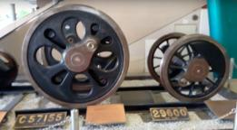 Japanese steam train wheels C57155&29600) フォト