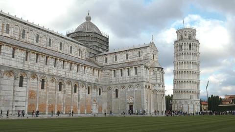 Pisa Cathedral and famous leaning tower, timelapse Footage