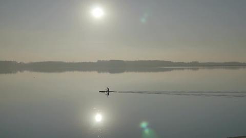 the kayaker ビデオ