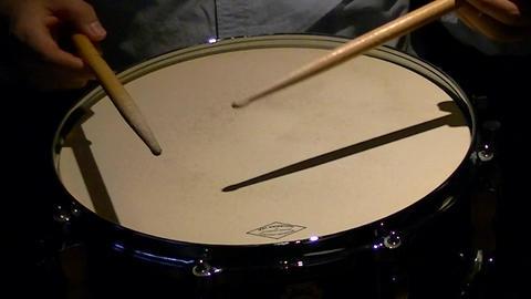 Snare drum play ビデオ