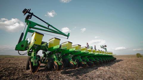 Preparing the seeding cultivator Footage
