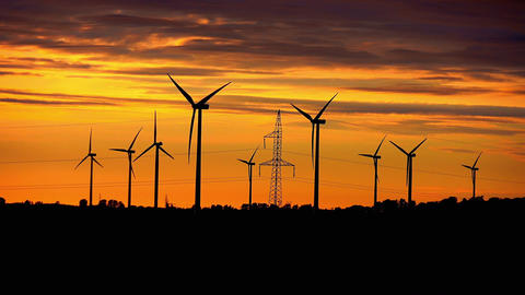 Video of windmills at the sunset in 4K ビデオ